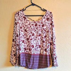 🌵3/$15🌵 NWT Boho Floral Print Bell Sleeve Top